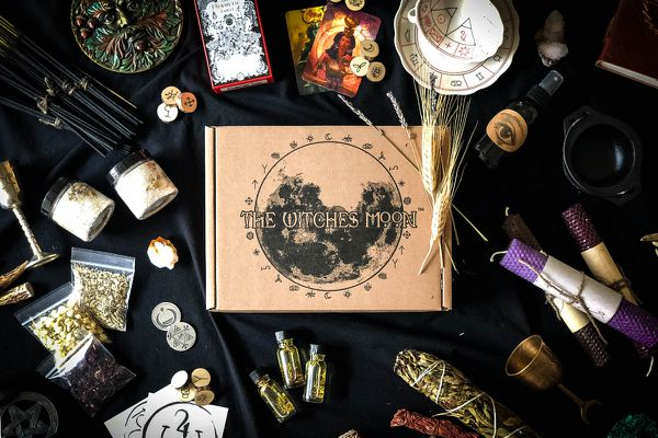 6 Stellar Subscription Boxes to Celebrate the New Moon | Cratejoy