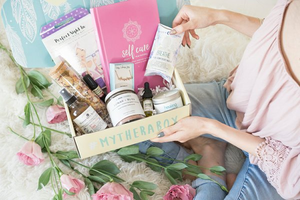 20 Best Gift Boxes For Women To Make Her Day Cratejoy