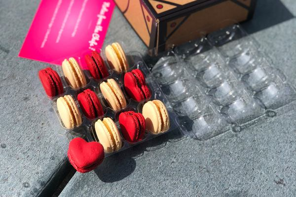 Macarons subscription box Photo 1